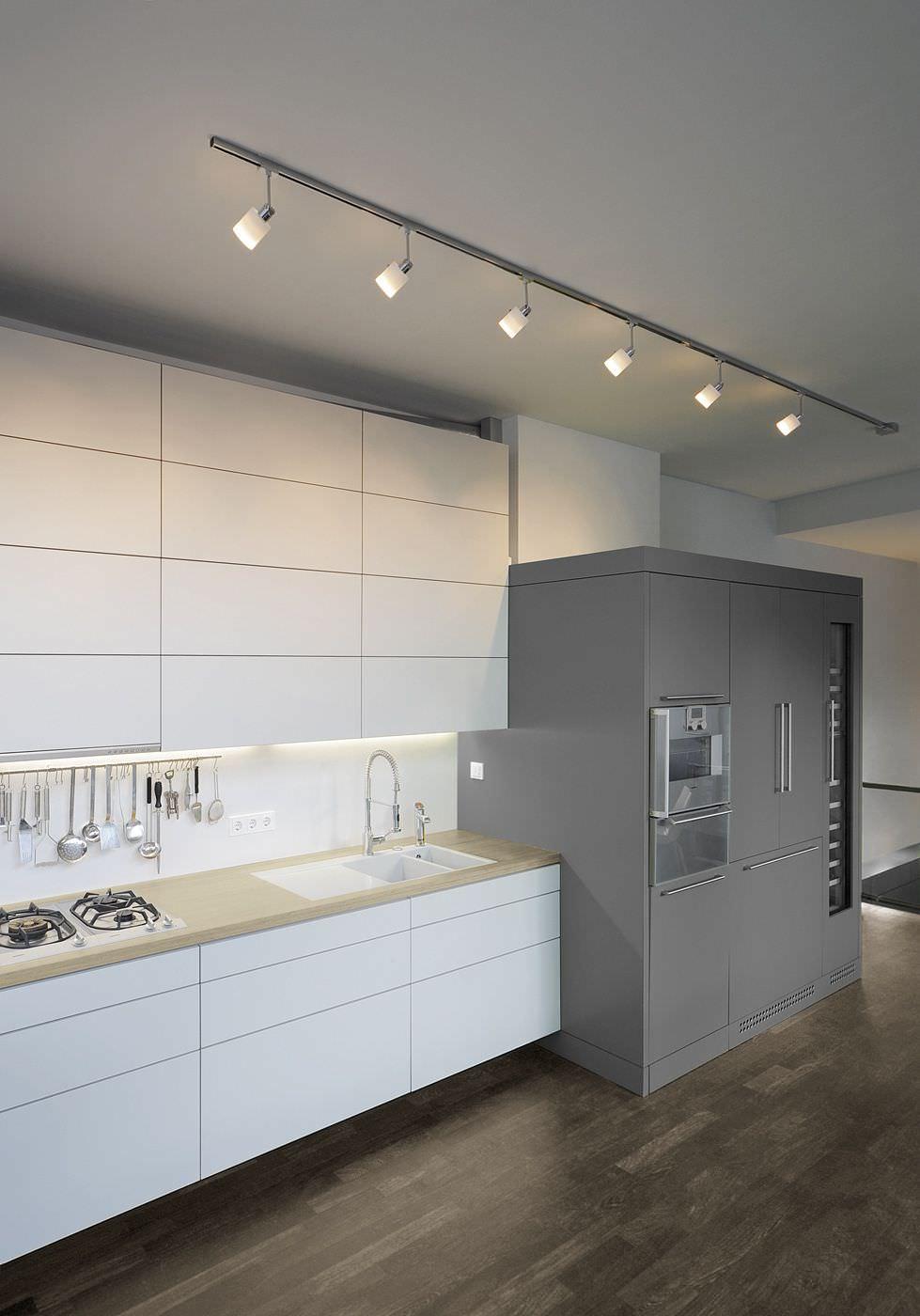 railsystemen bogaard lichtdesign elektra. Black Bedroom Furniture Sets. Home Design Ideas